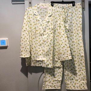 Victoria's Secret lemon pajamas set. NWOT!